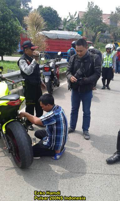 Polisi Gergaji Knalpot Racing Ninja 250 Dan Ninja 150 Di Bogor, Galakkan Tapi Jangan Tebang Pilih pertamax7.com 2