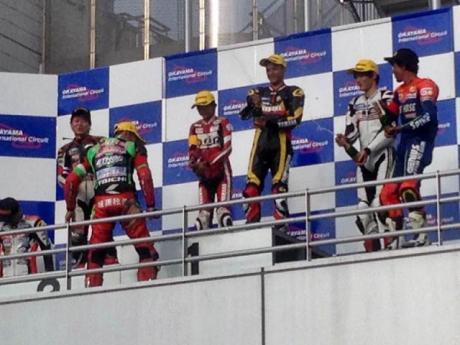 Rey Ratukore Yamaha R25 Kibarkan Merah Putih di Okayama Endurance Race JAPAN Kalahkan Kawasaki Ninja 250FI dan Honda CBR250R