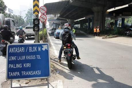 Sementara Waktu Motor boleh lewat jalan Tol JORR 00 pertamax7.com