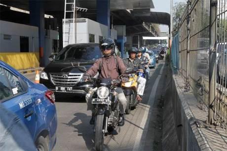 Sementara Waktu Motor boleh lewat jalan Tol JORR 01 pertamax7.com