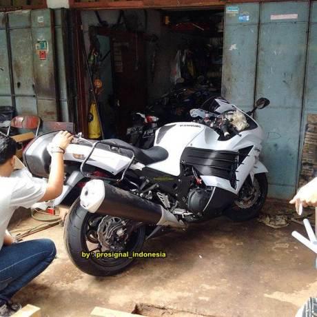 Serem Dinas Perhubungan Bandung Pakai Kawasaki Ninja ZX-14R Kencang 00 pertamax7.com