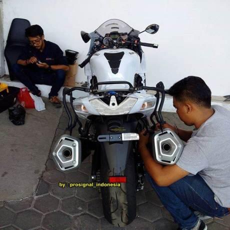 Serem Dinas Perhubungan Bandung Pakai Kawasaki Ninja ZX-14R Kencang 01 pertamax7.com