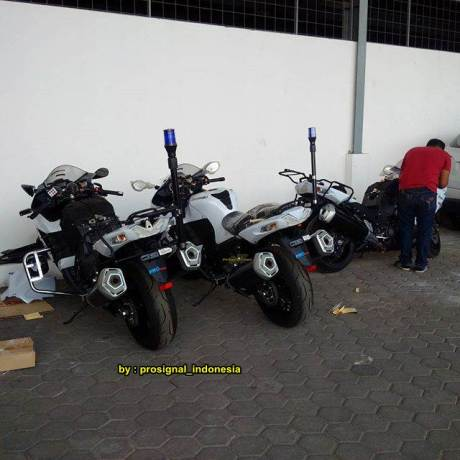 Serem Dinas Perhubungan Bandung Pakai Kawasaki Ninja ZX-14R Kencang 04 pertamax7.com