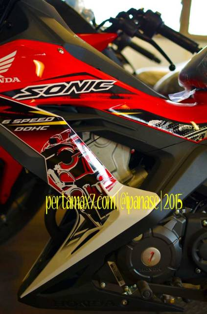 striping new honda sonic 150R bergambar mesin DOHC pertamax7.com