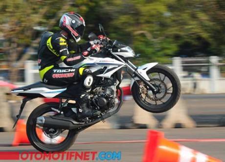 testride all new honda CB150R streetfire nonjok di putaran menengah atas 01 Pertamax7.com