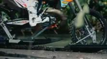 Unik.. KTM Enduro ini dipakai buat Ngebut dan Selancar di Pantai, Seru 05 pertamax7.com