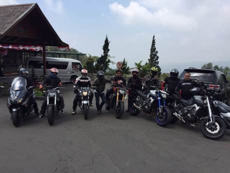 Yamaha Revs CBU Indonesia Geber Big Bike Turing Indonesia Bike Week (2)