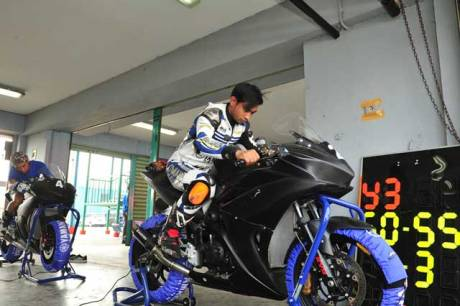 Yamaha-Riding-Academy-2015-di-Sentul-International-Circuit-(3)