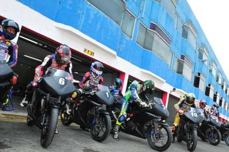 Yamaha-Riding-Academy-2015-di-Sentul-International-Circuit-(5)