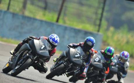 Yamaha-Riding-Academy-2015-di-Sentul-International-Circuit-(6)