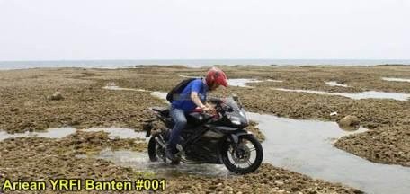 Aksi Yamaha R15 Libas Karang dan Air Laut Pantai Anyer, waspada karat 02 pertamax7.com