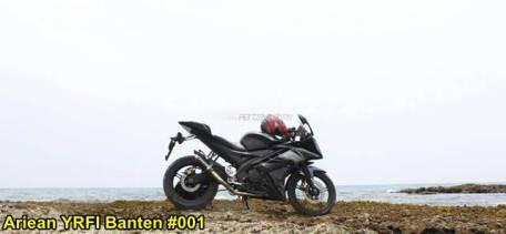 Aksi Yamaha R15 Libas Karang dan Air Laut Pantai Anyer, waspada karat 03 pertamax7.com