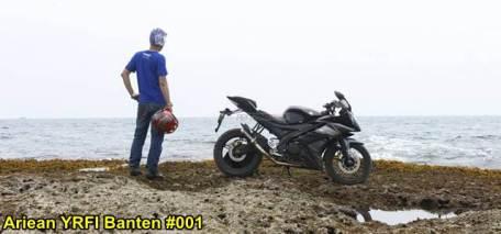 Aksi Yamaha R15 Libas Karang dan Air Laut Pantai Anyer, waspada karat 12 pertamax7.com