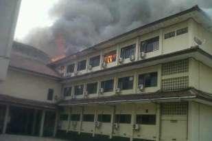 Gedung Mapolda Jateng Terbakar, banyak Motor Hangus 05 Pertamax7.com