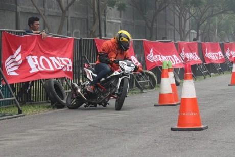 Gymkhana New Honda Sonic Medan diPadati 118 Starter hadiah mantabh 09 pertamax7.com