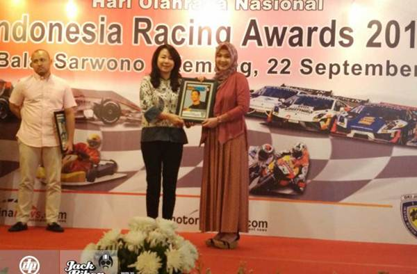 M. Fadli Imanuddin Raih Penghargaan Pebalap Motor Berprestasi  2015