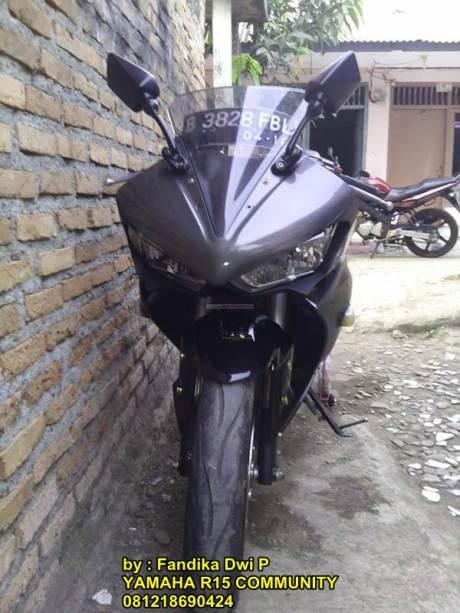 Modifikasi Yamaha R15 pakai headlamp Yamaha R2500 pertamax7.com
