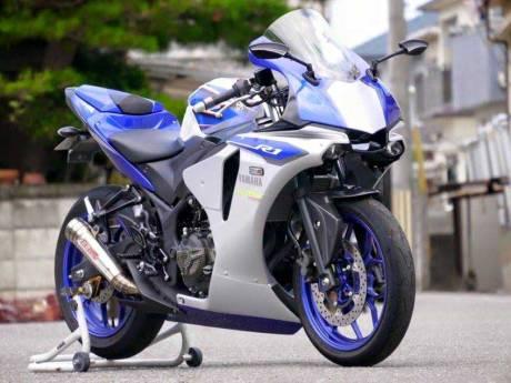 Modifikasi-Yamaha-R25-jadi-ala-All-New-Yamaha-R1-2015--pertamax7.com-2