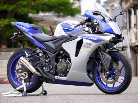 Modifikasi-Yamaha-R25-jadi-ala-All-New-Yamaha-R1-2015--pertamax7.com-