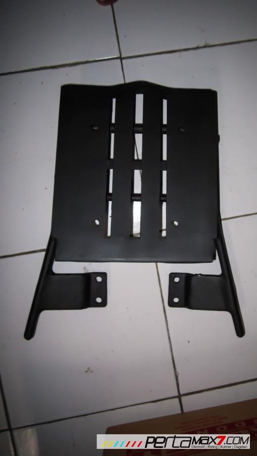 Mudahnya Pasang Braket geser Kucay di Honda Megapro plus Box Givi E20 Kuat mantabh 05 Pertamax7.com