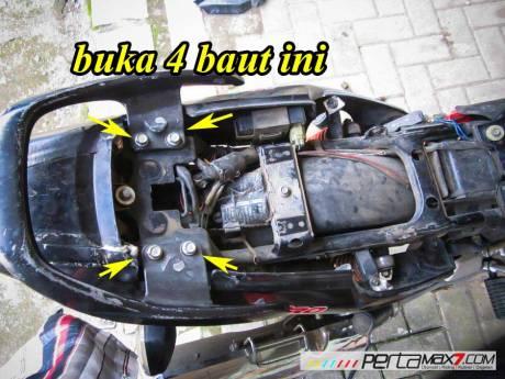 Mudahnya Pasang Braket geser Kucay di Honda Megapro plus Box Givi E20 Kuat mantabh 10 Pertamax7.com