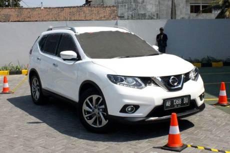 Nissan X-Trail Blind Parking Challenge Parkir Tanpa lihat Spion dengan Around View Monitor 03 pertamax7.com