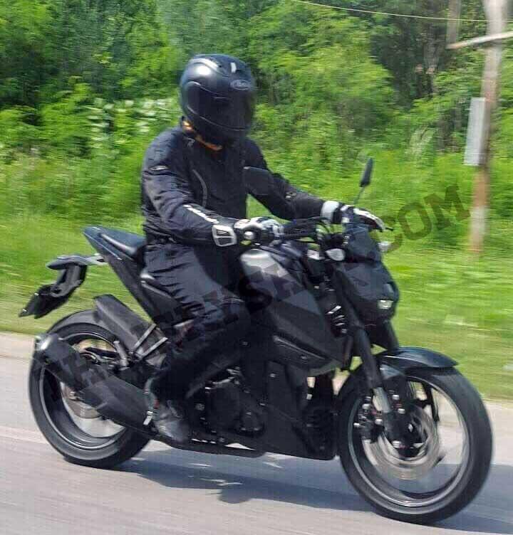 Penampakan-motor-naked-yamaha-diduga-MT-15-di-Thailand-ini-nampak-seperti-R15-modifan-pertamax7.com