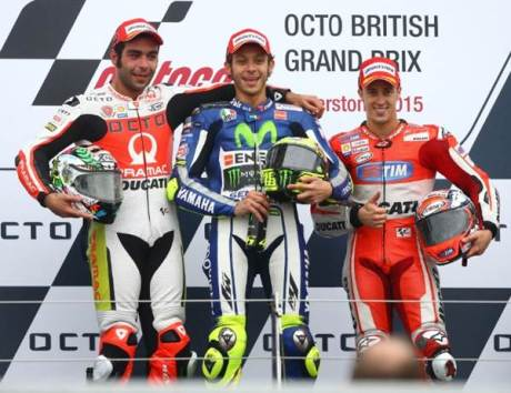 Petrucci podium motogp silverstone 2015 pertamax7.com