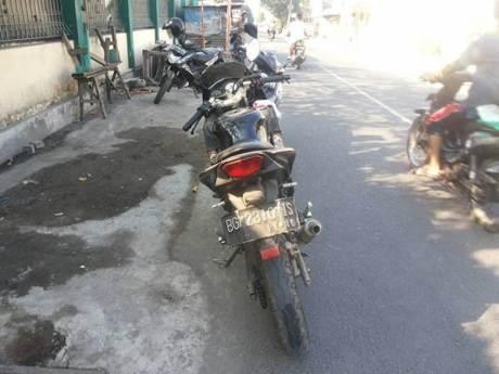 Rider Ninja 2T Tergesa-Gesa Karena Acara, Nggak Pake Tengok Tabrak Suzuki Smash Eh Nggak Punya Uang 00 pertamax7.com