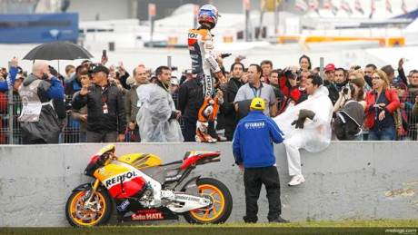 Rossi Vs Stoner Crash Motogp Jerez Marshall help 46 03 pertamax7.com