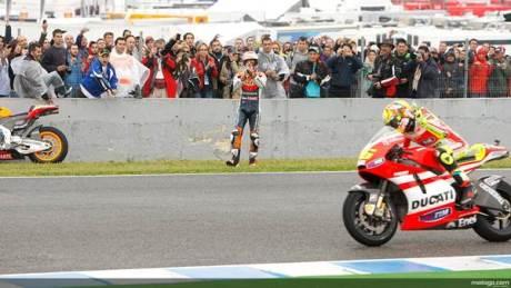 Rossi Vs Stoner Crash Motogp Jerez Marshall help 46 04 pertamax7.com