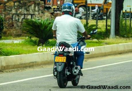 Suzuki-Gixxer-SF-with-Rear-Disc-Brake-Spied-pertamax7.com