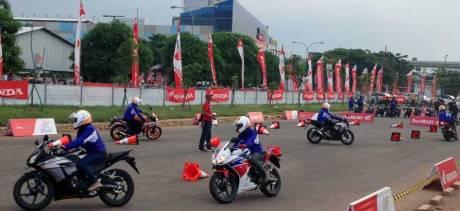 AHM Ajak Pecinta Motor Sport Honda Nonton MotoGP 2015 pertamax7.com
