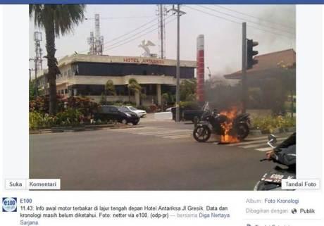 Bajaj Pulsar 180 ini terbakar di Jalan Raya Surabaya pertamax7.com