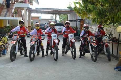 Bhayangkara Trail Adventure 5 kota Palu  berhadiah 12 motor Viar 03 pertamax7.com
