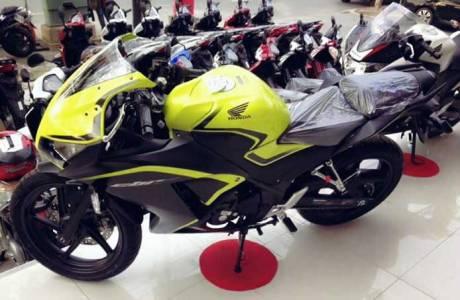 Honda CBR300R new colour ijo stabilo pertamax7.com 01 Pertamax7.com