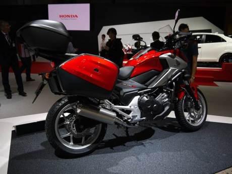 Ini dia Honda NC750X 2016, Siap berpetualang dengan bagasi lebih luas 08 pertamax7.com