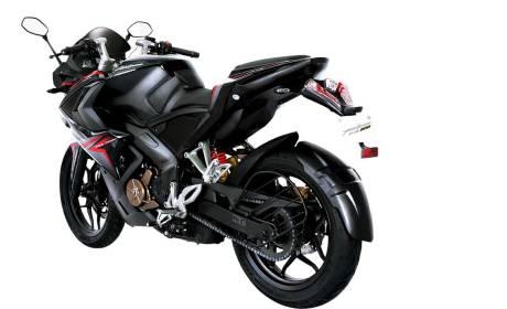 Intip Sangarnya Bajaj Pulsar RS200 Demon Black, Si hitam menatap tajam 04 Pertamax7.com