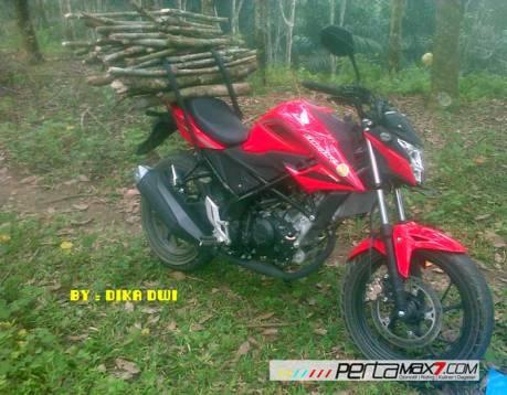 Masih Baru belum Keluar Pelat Nomer All New Honda CBR150R merah ini buat kerja angkat kayu 01 Pertamax7.com