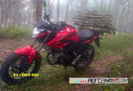Masih Baru belum Keluar Pelat Nomer All New Honda CBR150R merah ini buat kerja angkat kayu 02 Pertamax7.com