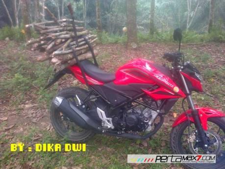 Masih Baru belum Keluar Pelat Nomer All New Honda CBR150R merah ini buat kerja angkat kayu 03 Pertamax7.com