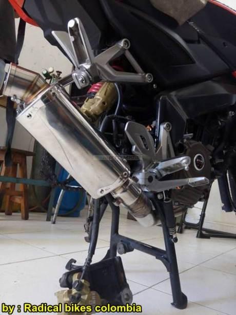 Modifikasi Bajaj Pulsar 200NS MonoArm pakai velg Belakang Mobil 13 pertamax7.com
