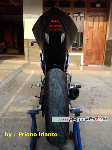 Modifikasi Yamaha Old Vixion Berjubah Fairing R15 V10