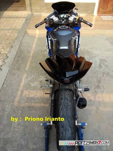 Modifikasi Yamaha Old Vixion berjubah fairing R15 V1.0 pake buntut R15 V2.0 ini gimana om04 Pertamax7.com
