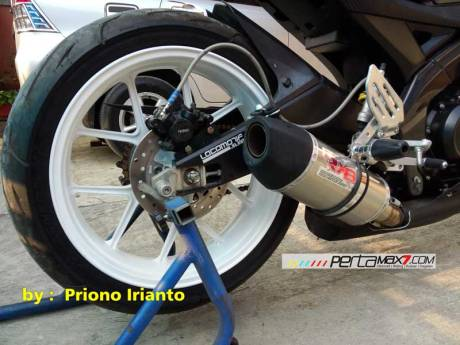 Modifikasi Yamaha Old Vixion berjubah fairing R15 V1.0 pake buntut R15 V2.0 ini gimana om05 Pertamax7.com