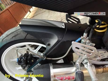 Modifikasi Yamaha Old Vixion berjubah fairing R15 V1.0 pake buntut R15 V2.0 ini gimana om09 Pertamax7.com