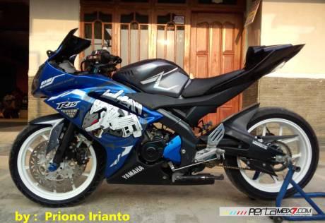Modifikasi Yamaha Old Vixion berjubah fairing R15 V1.0 pake buntut R15 V2.0 ini gimana om10 Pertamax7.com