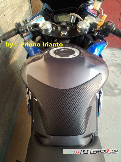 Modifikasi Yamaha Old Vixion berjubah fairing R15 V1.0 pake buntut R15 V2.0 ini gimana om13 Pertamax7.com