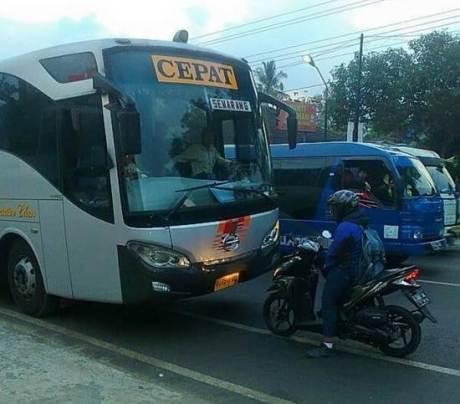 Penjelasan Arif Nurhuda pemotor Hadang Bus cepat Eka di Salatiga pertamax7.com