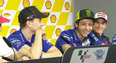 Rossi Sebut Marquez Bantu Lorenzo di Motogp Australia 2015 silam, PANAS pertamax7.com